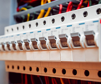 https://inproglobal.com/wp-content/uploads/2021/03/Circuit-breakers-and-switches-1.jpg